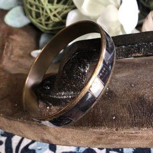 Jewelry - Vintage bangle
